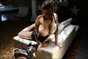 Cyrine erotic massage in Peachtree Corners and call girl