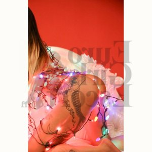 Aitana escort girl and tantra massage