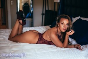 Carys nuru massage