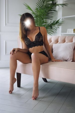 Ryanna escort girls in Jenison, nuru massage